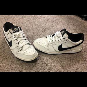 Men's Nike Dunks sz 9